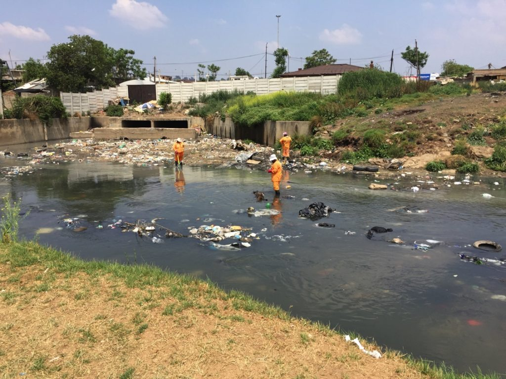 Jukskei River Pollution DS John Brand May 2016