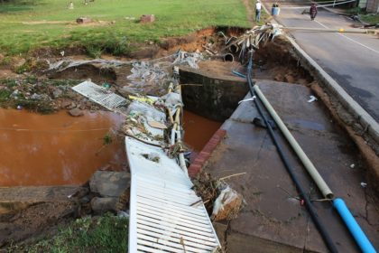 Eastleigh Stream First Ave bridge damaged by flood 9 November 2016